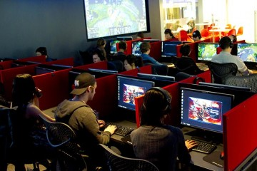 Internet Game Cafe